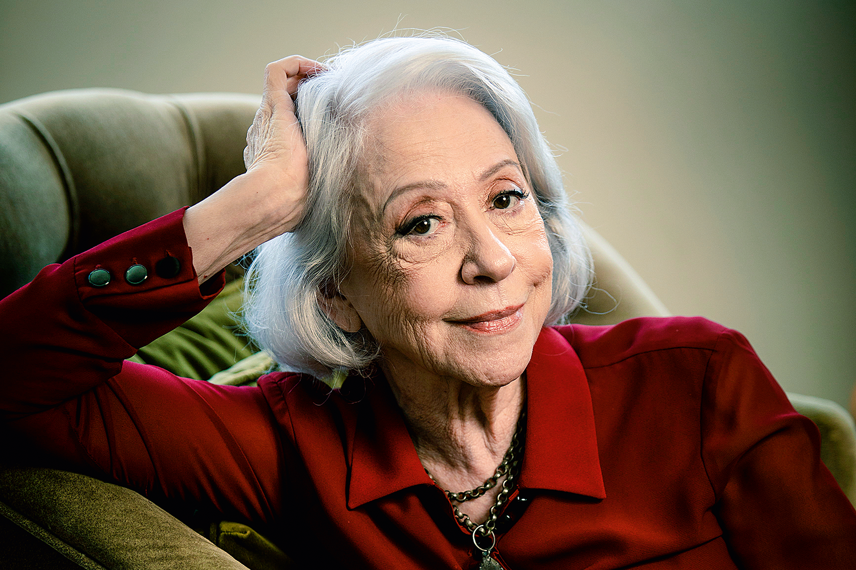 """Após se dizer """"instrumento do diabo"""", Fernanda Montenegro agradece a Deus por longa carreira"""